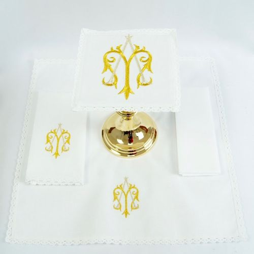 Small Linen - Sacred Monogram of Our Lady in Gold